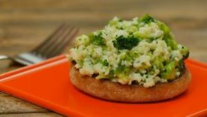 Broccoli and Cheese Egg White Scramble on Whole-Wheat English Muffin - Video