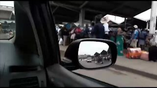 SOUTH AFRICA - Durban - Commuters during morning rush hour (Video) (K8K)