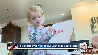 Parents pledge to withhold smartphones until 8th - Video