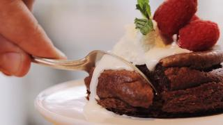 Molten Chocolate Cakes - Video