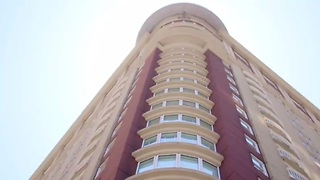 Turn up with tour of Downtown San Diego's Renaissance Hotel - Video