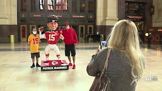 Kansas City turns red with Chiefs fever