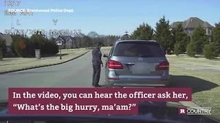 Carrie Underwood gets pulled over by police | Rare Country - Video