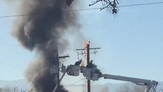 Dramatic Escape for Utah Lineman as Cherry Picker Engulfed by Flames - Video