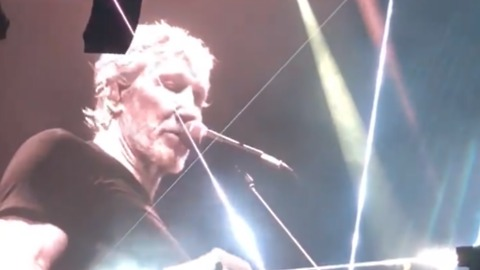 Roger Waters Says Syrian White Helmets are 'Fake Organization' at Barcelona Concert