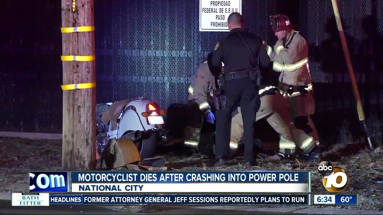 Motorcyclist hits power pole, dies