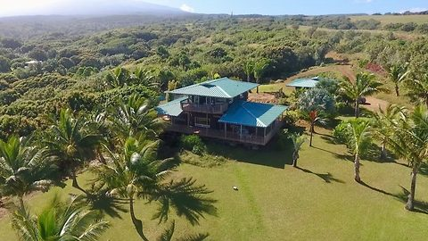 An offer you can't refuse! Marlon Brando's former-estate for sale at $2.3m (£1.6m) on Hawaiian private paradise