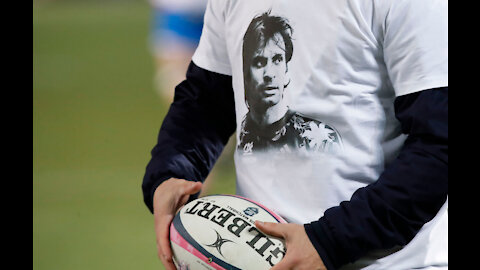 Rugby player develops helmet which can track trauma