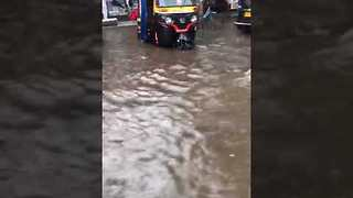 Mumbai Residents Face Worst Flooding in Over a Decade - Video