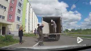 When your removal men are useless... - Video