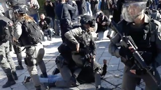 Palestinian Protesters Arrested at Damascus Gate in Jerusalem's Old City - Video