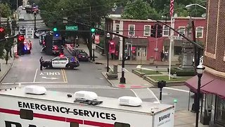 NJ Police Reportedly in Standoff with Armed Robbery Suspect - Video
