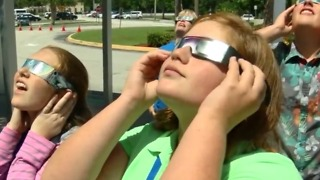 Watching the solar eclipse: An experience of a lifetime - Video