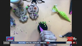 How to make some spooky cookies for Halloween