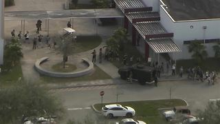 At least 1 dead, many injured in active shooter situation near Miami, FL - Video