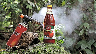 Gas torch vs. tomato sauce bottle experiment - Video