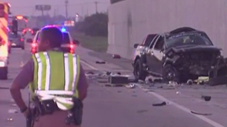 1 dead, 4 hurt in I-95 southbound crash in Boynton Beach - Video