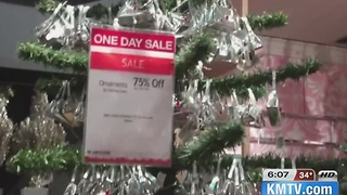 Day after Christmas busy for shoppers - Video