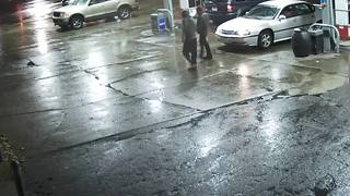 Search for carjacking suspects - Video