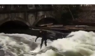 Munich Surfer Rides Waves Despite Almost Freezing Temperatures - Video