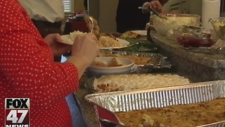 Groups using Thanksgiving to lure young professionals, convince them to stay - Video