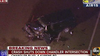 Chandler crash sends family of three to hospital - Video