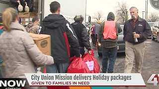 City Union Mission volunteers deliver Christmas to metro families - Video