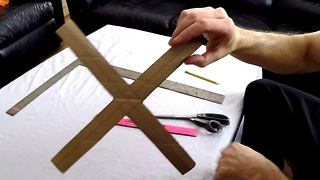 Creative Guy Shows How To Build Boomerang Out Of A Pizza Box - Video