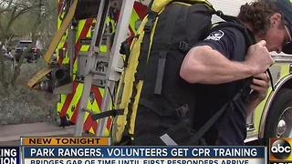 Park rangers and volunteers get CPR training to help injured hikers - Video
