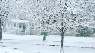 Winter's First Major Snowstorm Rolls into Midwest - Video
