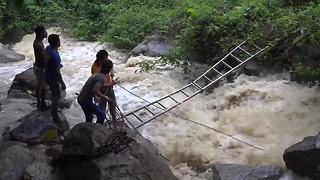 Israel tourist dies after falling at notorious Thai waterfall - Video