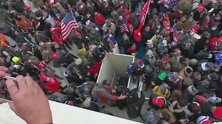 Trump Supporters Stop Antifa Scumbags From Breaking Windows at DC Capitol Building