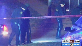 Attempted robbery victim shoots at suspects - Video