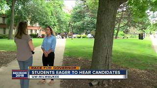 UWM students get excited for Democratic debate