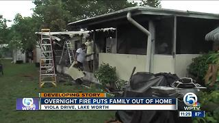 Overnight mobile home fire displaces 7 people near Greenacres - Video