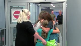 Family reunited after Hurricane Irma - Video