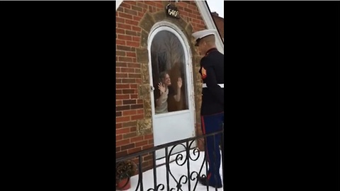 Marine surprises girlfriend with homecoming proposal