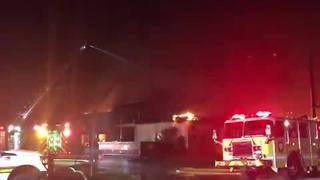 Crews battle fire at Tampa recreation center - Video