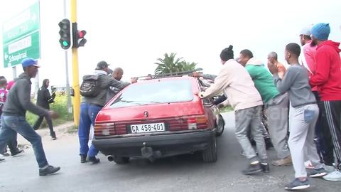 Cape town residents shutdown roads in protest against gang crime
