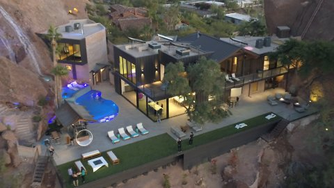 This Arizona Mansion is a Desert Oasis