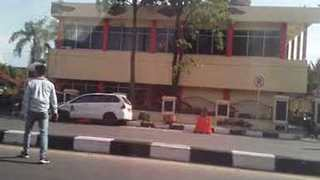 Multiple Deaths in Riau Police Station Attack - Video