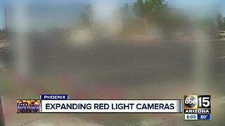 Phoenix police, city working on ways to add more red-light cameras