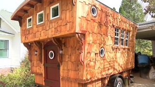 Waukesha man builds 19th century travel wagon as 'COVID therapy project'