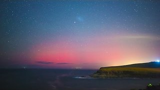 Aurora Australis Shines Bright Pink Over Kiama - Video