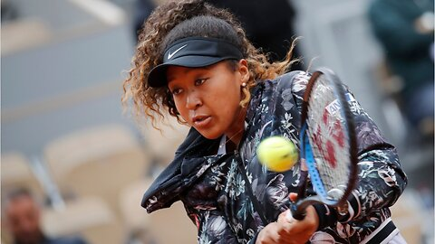 Naomi Osaka rallies in first round of French Open