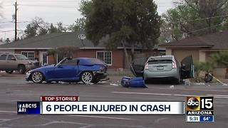 3 children and 3 adults injured in Phoenix crash - Video