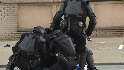 Monitoring team report finds Cleveland police violated policies during and after May 30 riot