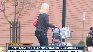 Last-minute Thanksgiving shoppers: What did they pick up? - Video