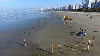 122 yr old British shipwreck found buried on Brazilian beach - Video