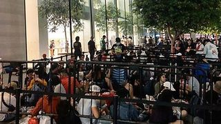 Crowds Wait in Line as New iPhone Goes on Sale in Singapore